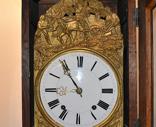 Lot 213_1: Turn cent straight oak clock case with mid 19th c clock movement. H251cm