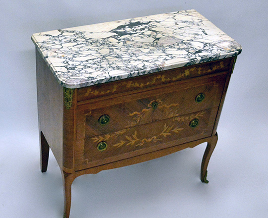 Lot 215_2: Turn cent L.XVI / L.XV Transition two drawer, marble top fine marquetry commode with gilt bronze orn. H