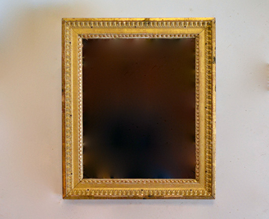 Lot 275: Small 18th cent Louis XVI gilt framed mirror. H50 x W42,5cm.
