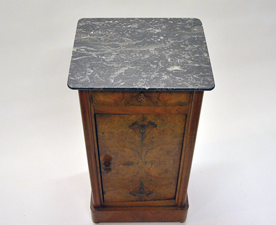 Lot 289_1: 19th cent Louis Ph. Burl walnut grey marble top side table. H73,5xW38xD32cm.
