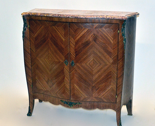 Lot 407: Turn cent . Louis XV two door, marble top marquetry buffet. H100xW104xD39cm.