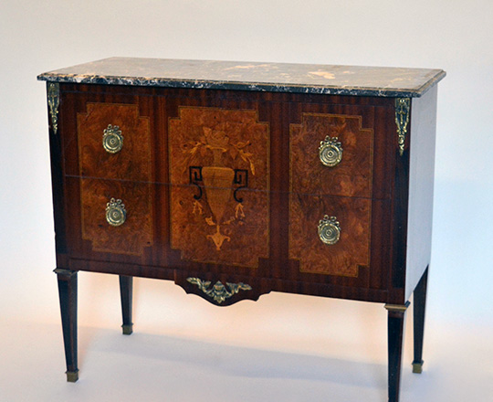 Lot 408: Early cent Louis XVI two drawer, marble top fine marquetry commore.H85xW97xD42cm.