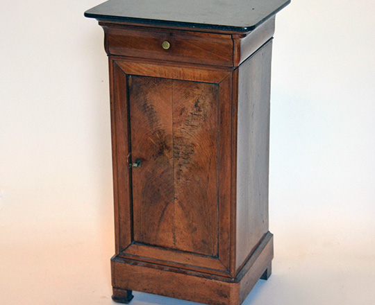Lot 419: 19th cent Louis Ph. Black marble top side table.H74xW40xD32,5cm.