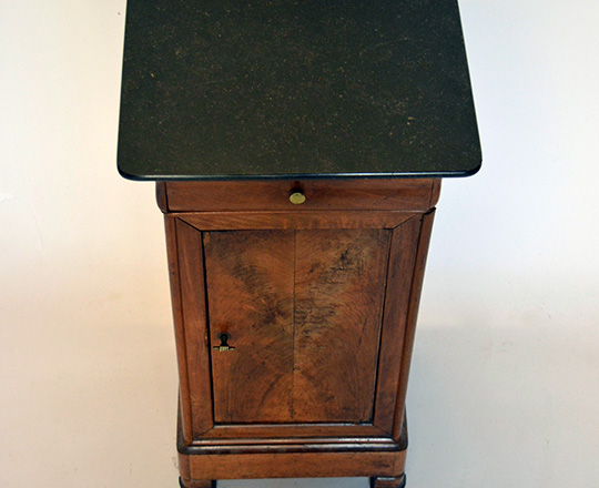 Lot 419_2: 19th cent Louis Ph. Black marble top side table.H74xW40xD32,5cm.