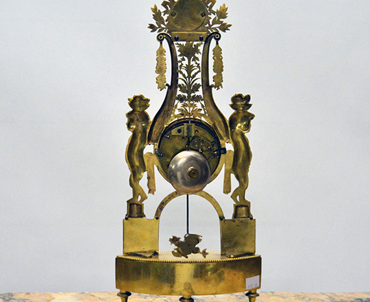 Lot 447_1: Very fine quality 18th -19th c. gilt ciseled bronze Directoire/Empire mantel clock. H46cm.