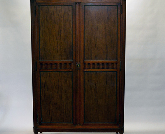 Lot 459: Elegant and clean line 19th cent two door mahagany armoire with adj.shelves interior. H200xW130xD52cm.