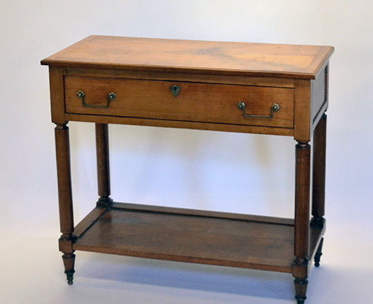 Lot 473: 19th cent cherry country single drawer console. H82xW90xD43cm.