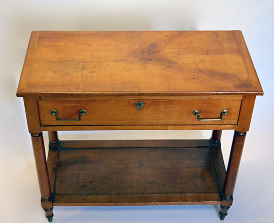Lot 473_1: 19th cent cherry country single drawer console. H82xW90xD43cm.