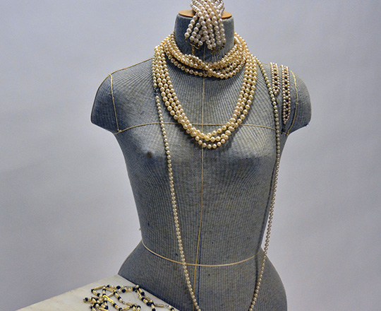 Lot 474_1: Various sizes of pearls necklaces.