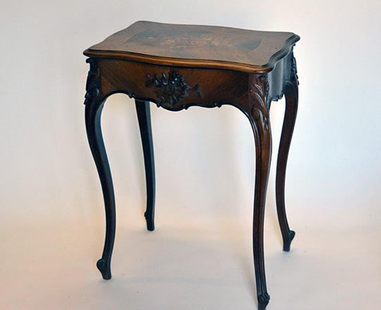 Lot 496: 19th cent Louis XV rosewood 'necessaire' floral marquetry table.