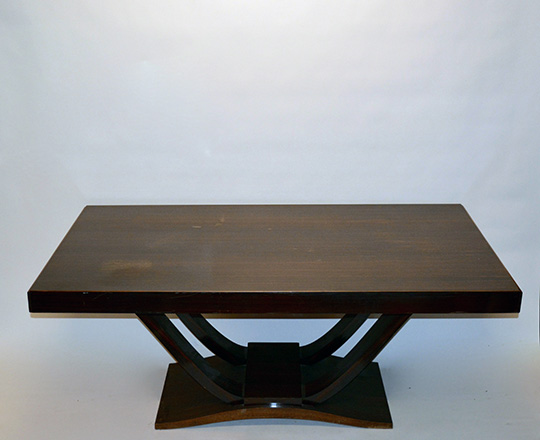 Lot 524: Sleek line Art Deco table with pull out extentions in Macassar ebony. H75xW108xD100cm, (open 270cm.)