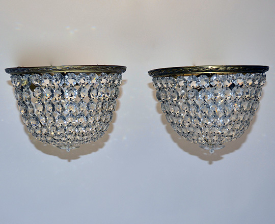 Lot 532_3: Pair turn cent crystal 'basket' form ceiling fixture and a larger single one. Dia.29,5cm (large)