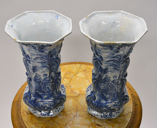 Lot 542_3: Chinese? Blue & white porcelaine vase / lamp, H32cm (with base) and a pair of signed Delft vases, H32cm.