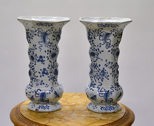 Lot 542_4: Chinese? Blue & white porcelaine vase / lamp, H32cm (with base) and a pair of signed Delft vases, H32cm.