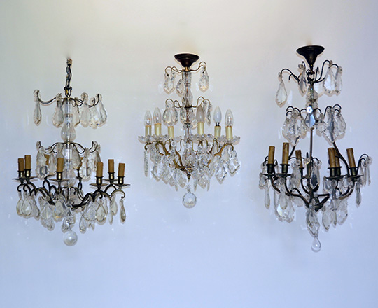 Lot 553_1: Early/mid cent three stages eight light brass chandelier. H 82cm.